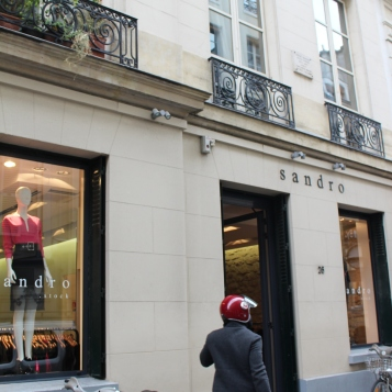 Shop last year's collection at reduced prices in the Sandro and Claudie Pierlot Stock stores on Rue de Sévigné